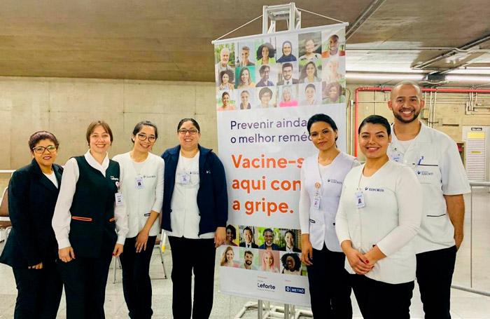 Vacinação contra gripe no metrô
