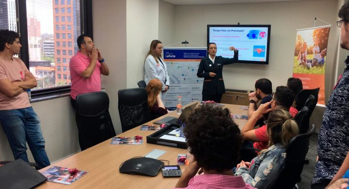 Outubro Rosa é tema de ação realizada pelo Leforte Saúde nas Empresas