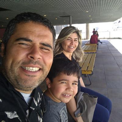 Davi, em julho de 2019, como os pais Cristiano e Andrea