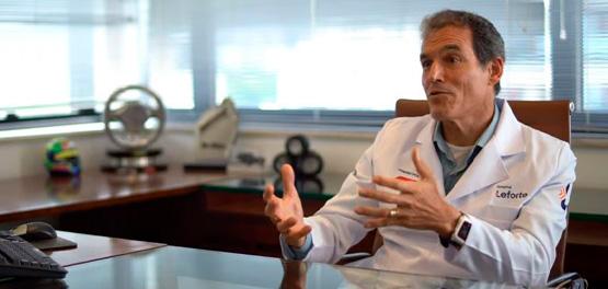 Dino Altman, diretor médico do Centro Médico do Leforte no GP Brasil, fala sobre planejamento e execução em equipe para o canal CBA em Movimento
