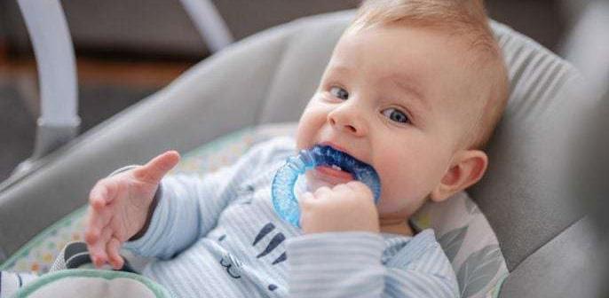 Talita Rizzini, coordenadora do PS Infantil do Grupo Leforte, fala sobre o crescimento dos dentes de leite nos bebês para o Canguru News